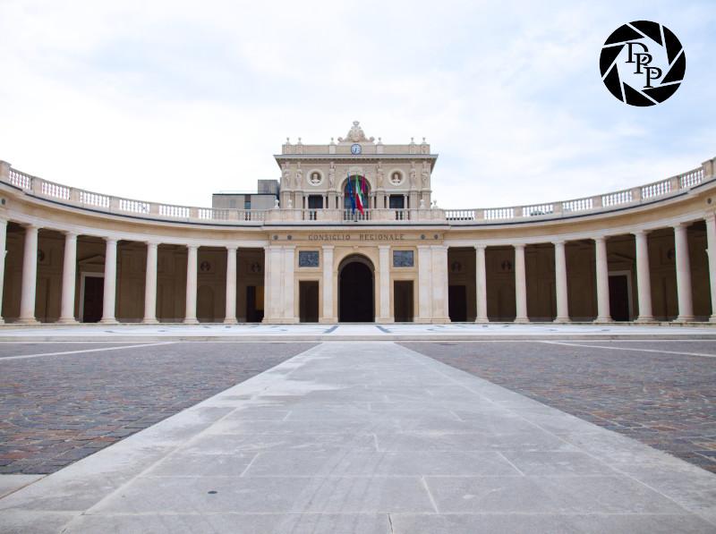 Palazzo del consiglio regionale, L'Aquila